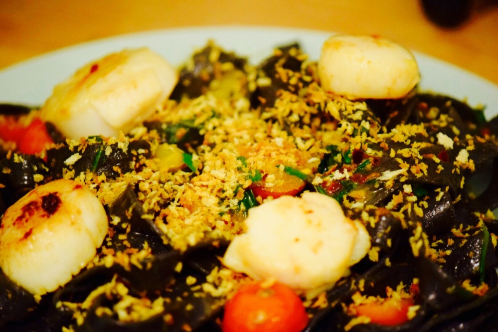 squid-ink-pasta-with-scallops